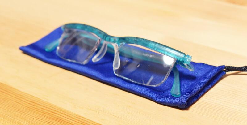調整ができる老眼鏡『ドゥーアクティブ』収納袋付き